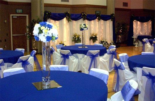 оформление свадьбы в цвете айвори и синем