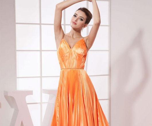 невеста в оранжевом платье
